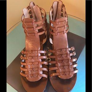 GUC Vince CAMUTO Jatella Gladiator Sandal SZ 10